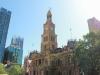シドニーも古い建物・近代的な建物が混在しています