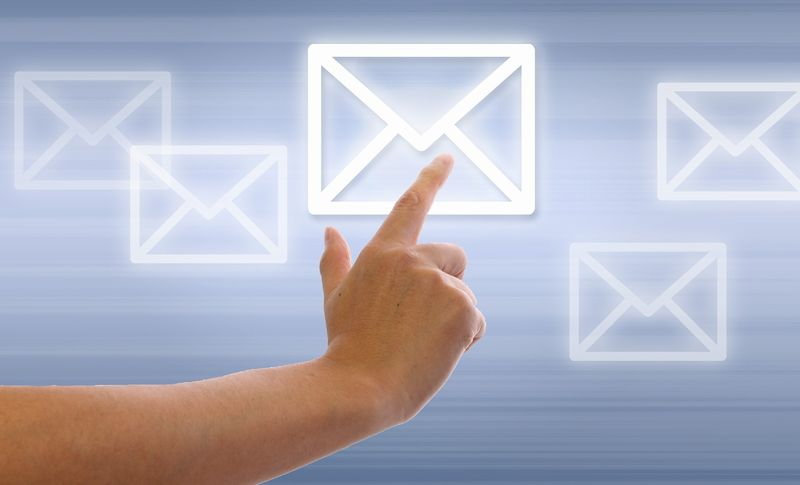 メール受付は可能です。